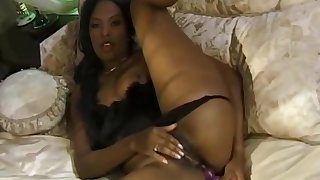 Meagan Reed - Black Housewife Masturbates When Hubby Works Deep Solo